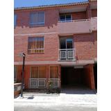 Casa En Unidad Residencial Recién Remodelada. 3 Pisos, 5 Hab