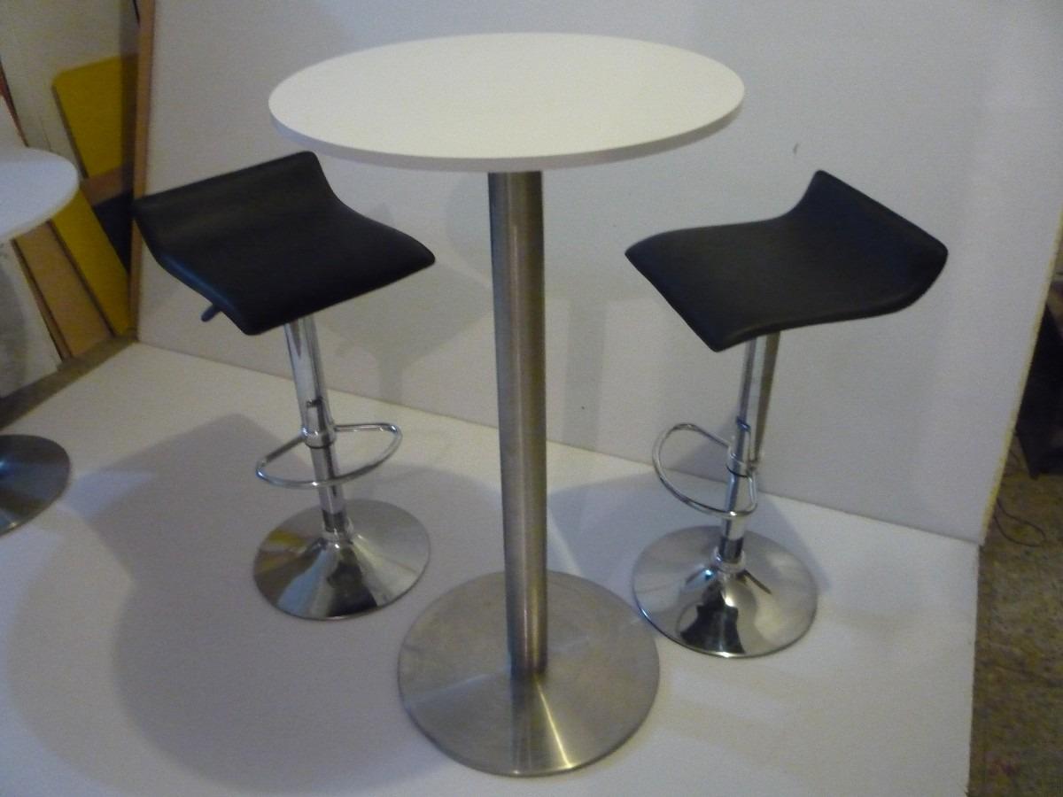Alquiler de stands mesas y sillas tipo bar televisores for Sillas tipo bar en madera