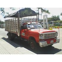 Dodge Modelo 79 Motor Hino 155 Color Rojo Carrocería Alargad