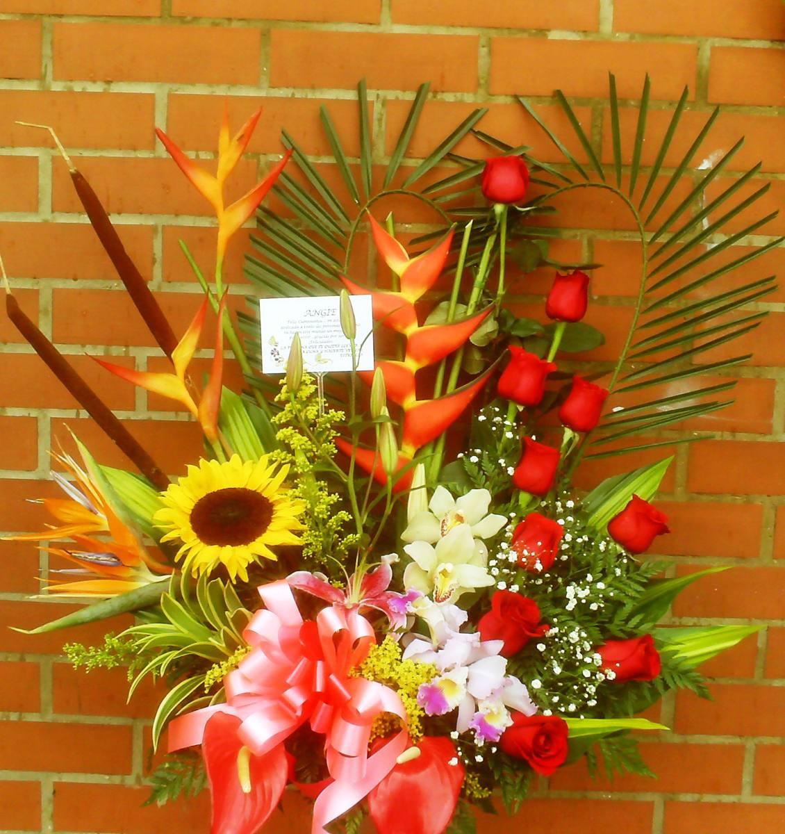Arreglos florales de orquideas car interior design - Adornos florales para casa ...