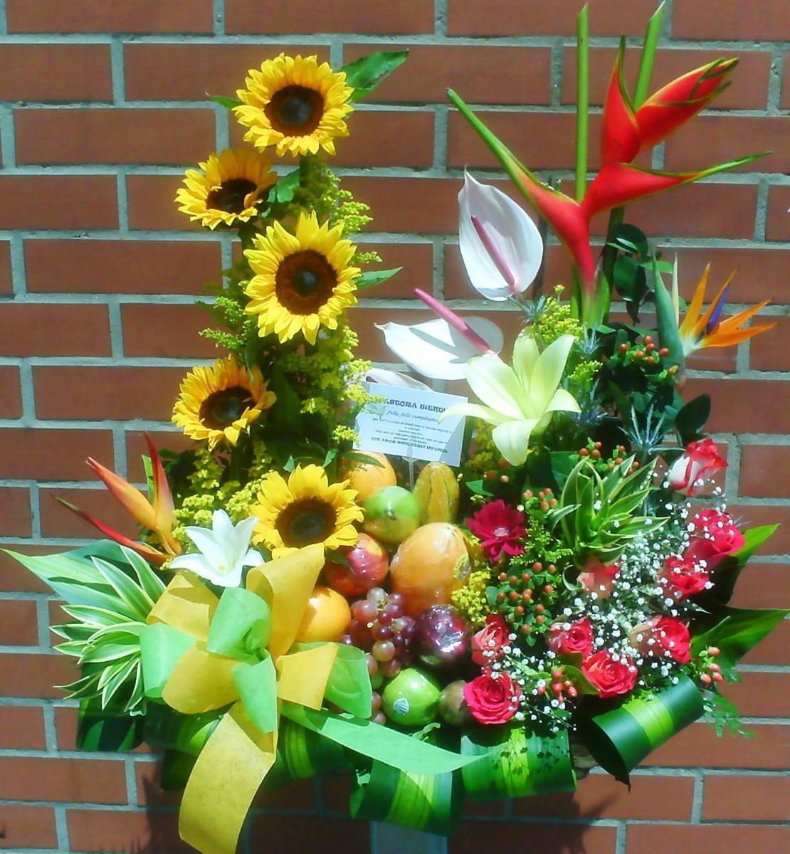 Floristeriazarcillos floristeria los zarcillos - Frutas artificiales para decoracion ...