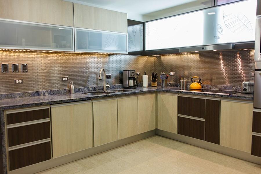 Repisas para cocina de acero inoxidable for Cocinas de acero inoxidable