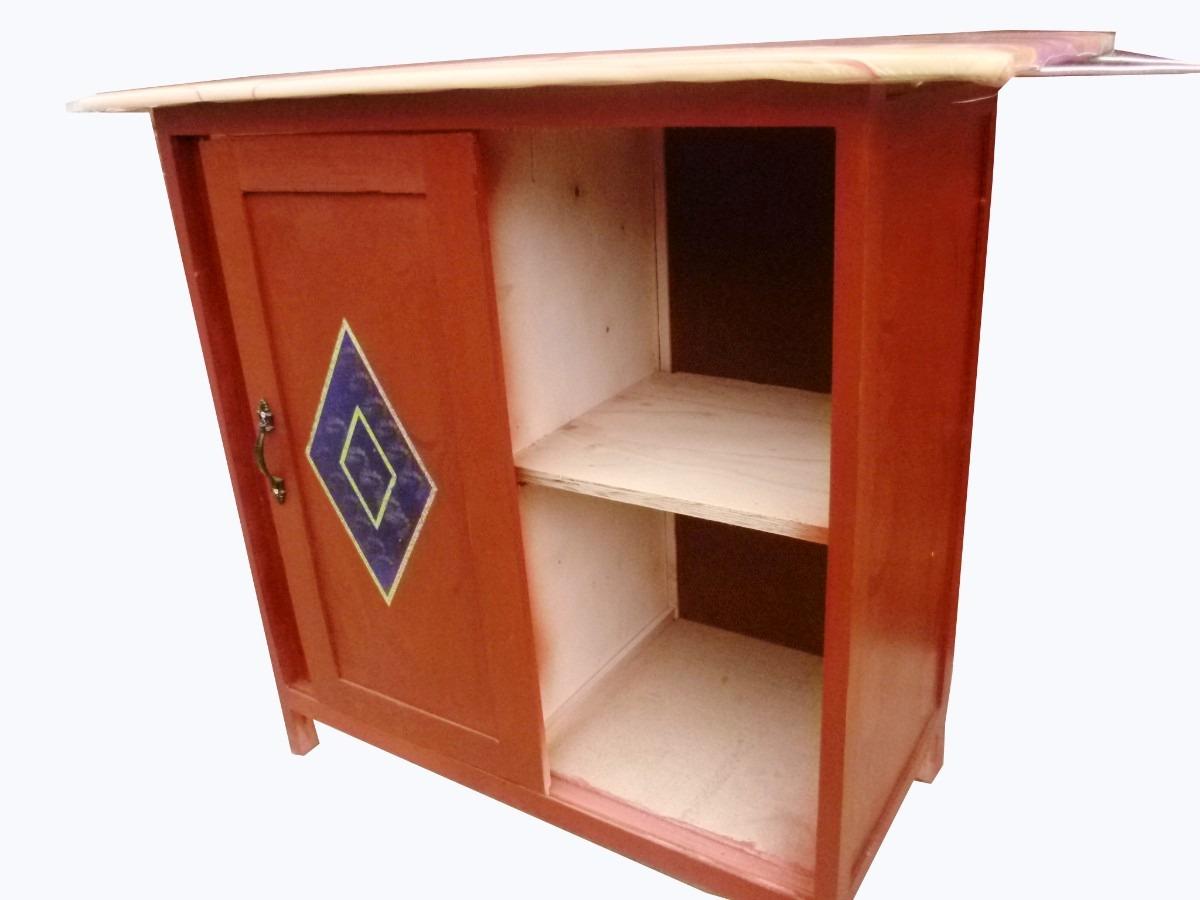 Muebles para guardar ropa planchar for Muebles para almacenar